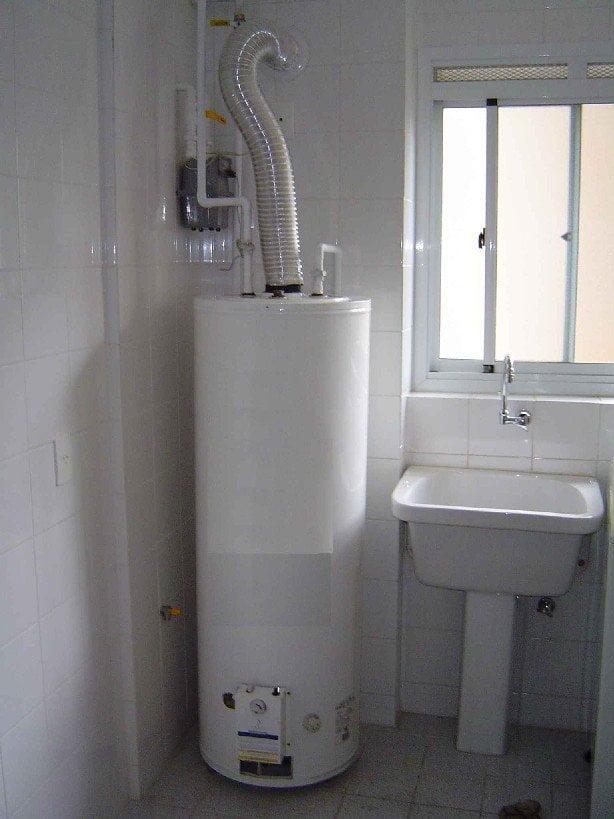 O boiler a gás deve ser instalado em local com ventilação.