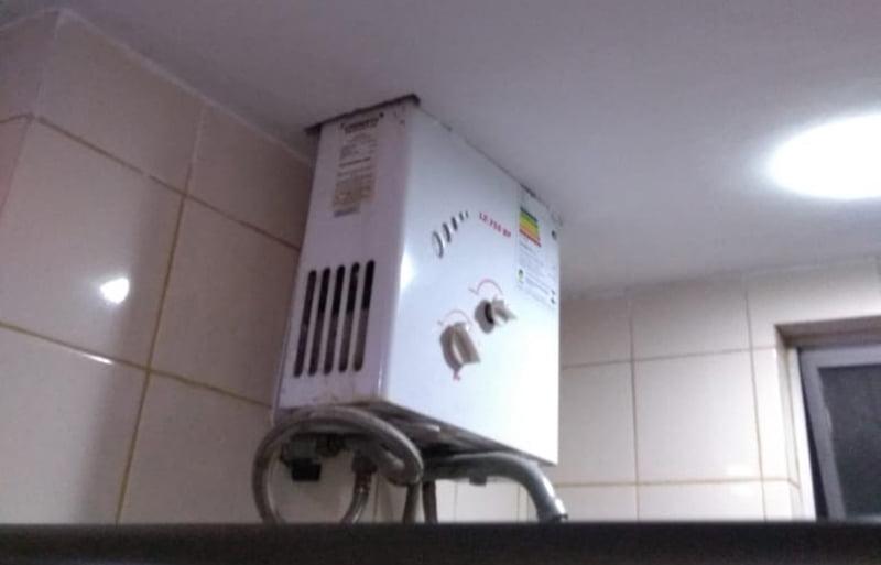 aquecedor_a_gas_dentro_do_banheiro